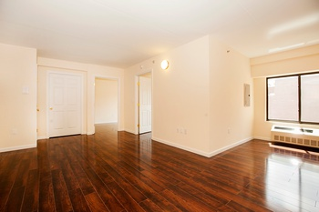 Astoria: NO FEE! High Floor 2 BR with Dining Room in Elevator + Laundry Building